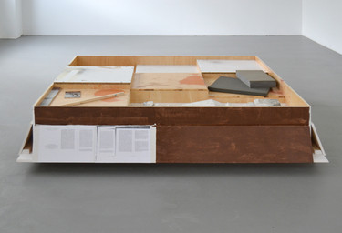 Manfred Pernice K + K (2), 2012 wood, lacquer, paper 42 x 170 x 170 cm